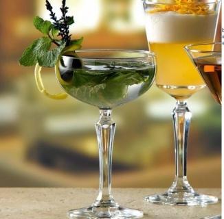 Pahare Sticlă și Cristal